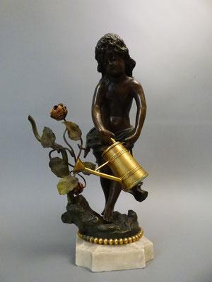 Bronzefigur junges Mädchen meim Blumengießen (sehr detaillierte Ausformung)