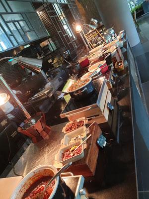 Parkroyal on Pickering Singapur Frühstück