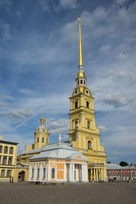 Bootshaus und Kathedrale