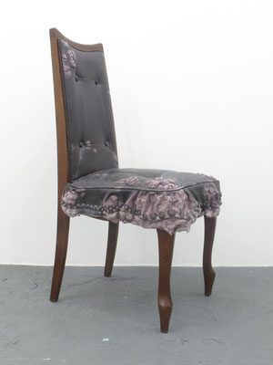 Untitled • Chair|98×60×55cm|2013|puff binder,dyestuf,chair,others