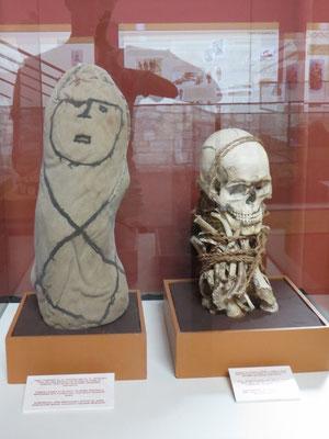 Das Highlight: die Mumien. Links eingewickelt, rechts ausgepackt.