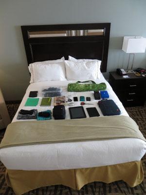 Zum Glück gab es ein zweites Bett, welches wir als Ablage nutzen konnten.