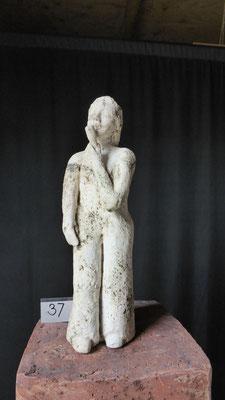 Kleine zangeres, hoogte 21 cm, rode chamotteklei 0-1 mm, glazuurbrand 1060 `C