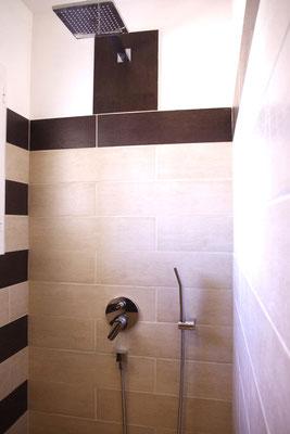 Pungwe Zimmer Italienischer Art Dusche
