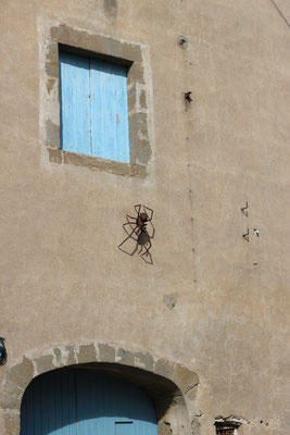 spider sculpture
