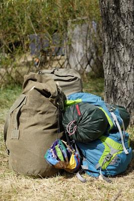 Unser Gepäck für eine komplette Woche zu viert. Inclusive Zelt und Schlafsäcken.