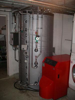 Wasserspeicher mit integriertem Boiler (blau)
