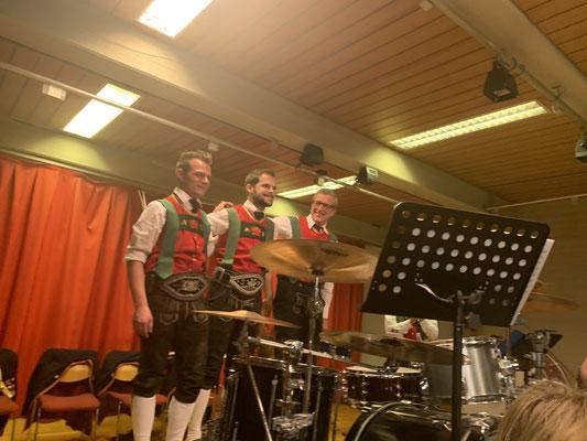 Die Schlagzeuger Niklas, Stephan und Hermann