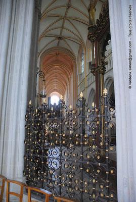 [NU002k-2016-0024] 29 - Quimper - Cathédrale Saint-Corentin : Clôture de chœur (Jules Everaert - XIX°)