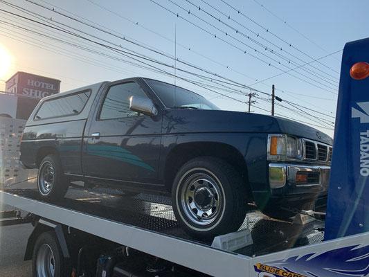 こちらも110,000mileのオリジナル車両となります。サイドストライプが綺麗に残っております(シェルは付きません)