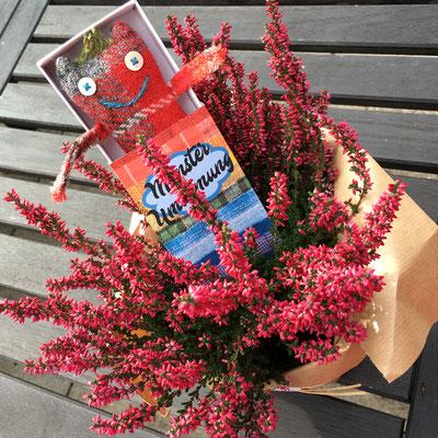Umarme-Monster reisen gerne in Blumentöpfen!