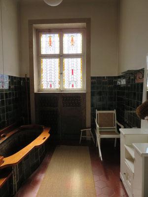 auch ins Badehaus 3 des Bad Nauheimer Sprudelhofs konnten wir einen Blick werfen, z. B. auf diese Jugendstil- Badekammer