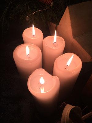 Fünf Kerzen