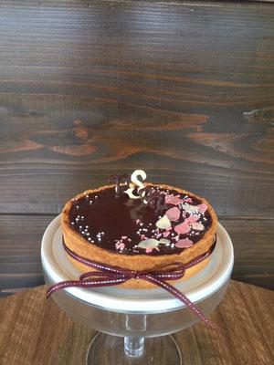 12cm 結婚記念日に。大人っぽく甘さひかえめのチョコレートタルト