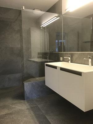 Badezimmermöbel und Duschglaswand, Seeburgstrasse Luzern
