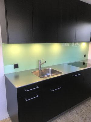 Küche mit Glasrückwand, EFH Emmenbrücke