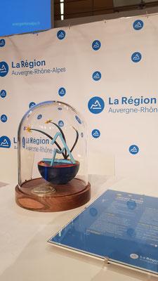 Creation et réalisation Hervé Arnoul  du trophée AURA pour le conseil Régionale Auvergne Rhone Alpes.