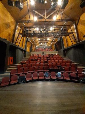 Der Saal des Teatro Bruno Kiefer