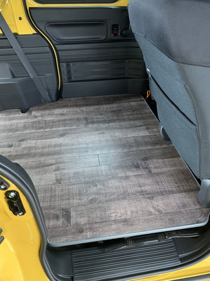 NVAN.ハイエース.NV350で車中泊トランポの基本は床パネル!トランポ関東へおまかせください。