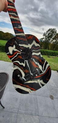 Künstler Martin Lingens, Neu gestalte Gitarre
