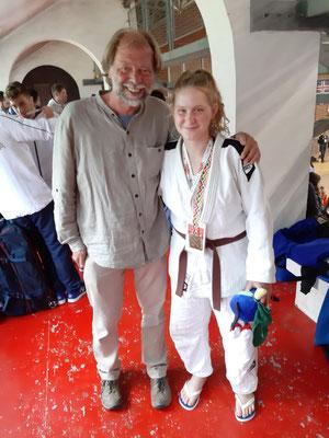 Mit der Goldmedaillengewinnerin im Judo Mareen Hollenstein
