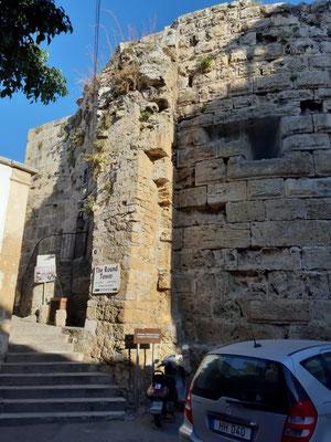 Der runde Turm in Girne (Kyrenia)
