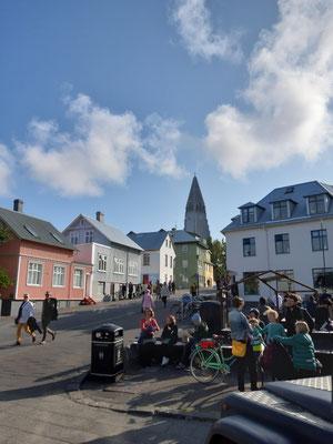 In Reykjavik, Blick auf die Kirche