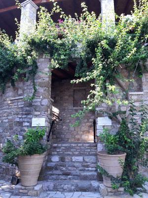 Der Eingang zum Hotel Ilion