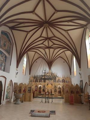 In der Kirche Arnau