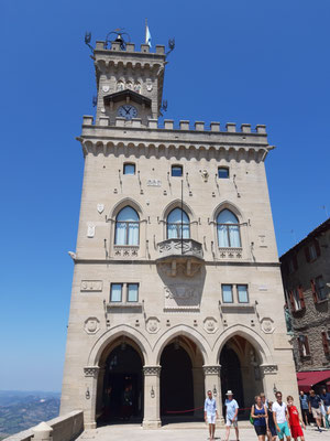 Der Palazzo Publico oben auf dem Monte Titano
