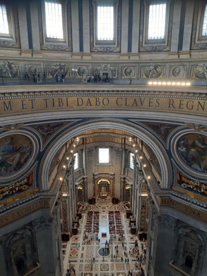 Blick von oben im Petersdom