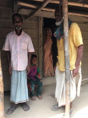 Einige Mitbewohner des Dorfes