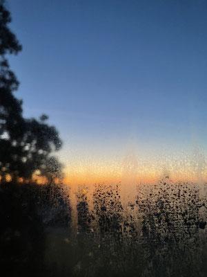 Par la fenêtre 3