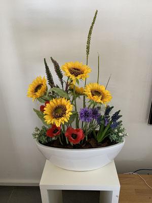 Sonnenblume mit Anemonen
