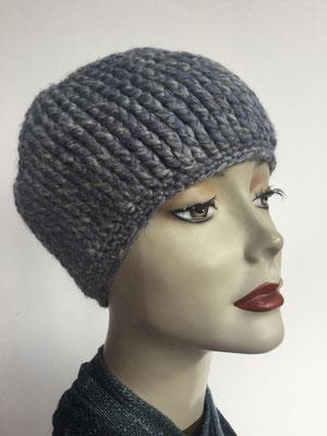 Wi 88 - Kopfbedeckung kaufen - Wintermodelle - Melone gehäkelt - graublau