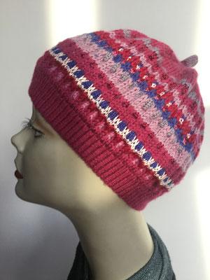 Wi 109g - High-Tech Supermodell  gestrickt - Rottöne buntgestrickt - Kopfbedeckung nach Chemo