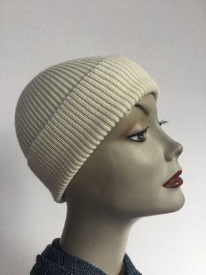 Wi 93 - Vreni Lorenzini - Kopfbedeckungen kaufen- Wintermodelle - Melone gestrickt - gebrochenes Weiss