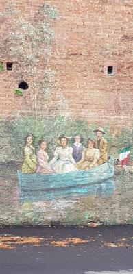 Flussfahrt auf der Stadtmauer