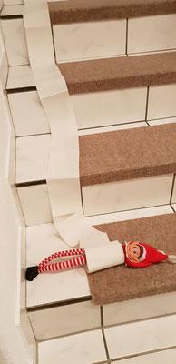 10.12. - 1 Toilettenpapier + 1 Treppe = Jede Menge Spaß