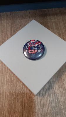 """<FONT size=""""5pt"""">Badge Les Parisiennes  Cap- <B>3,00 €</B> </FONT>"""