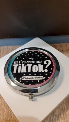 """<FONT size=""""5pt"""">Miroir argenté Tik Tok- <B>16,50 €</B> </FONT>"""
