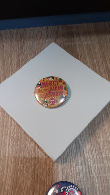"""<FONT size=""""5pt"""">Badge Les Parisiennes Grandir - <B>3,00 €</B> </FONT>"""