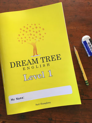 Dream Tree English のオリジナル教材。48ページ、カラー表紙 Original material for Dream Tree English, 48 pages with full-color cover