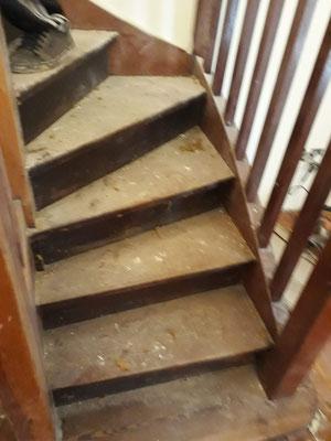 pulido de escalones de madera