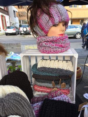Stirnbänder gestrickt, alle mit Fleece gefüttert