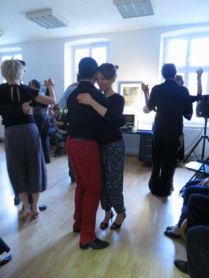 Die Praxis für Psychotherapie von Dipl.-Psych. Reimer Bierhals in Bamberg ist mit Tango eingeweiht worden - Ronda-Bild11
