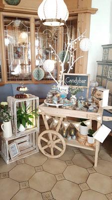 Candybar Holzwagen