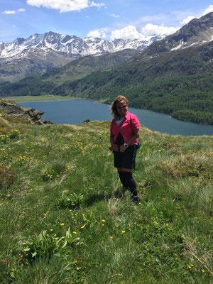 Aussicht auf dem Wanderweg von Blaunca nach Grevasalvas