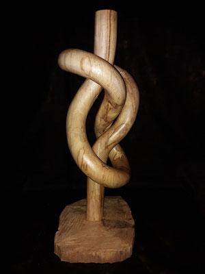 Achterknoten 86 cm hoch aus Ahornholz mit Motorsäge geschnitzt