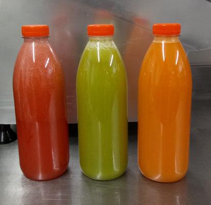 Jus de fruits en bouteille d'un litre